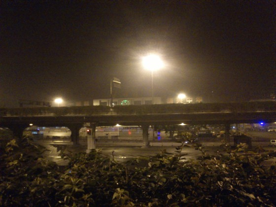 深夜被丢在广州车站